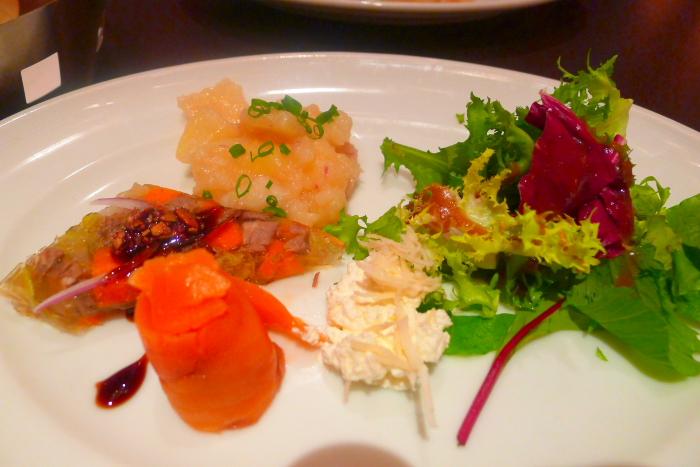 表参道カフェラントマンのディナーの前菜