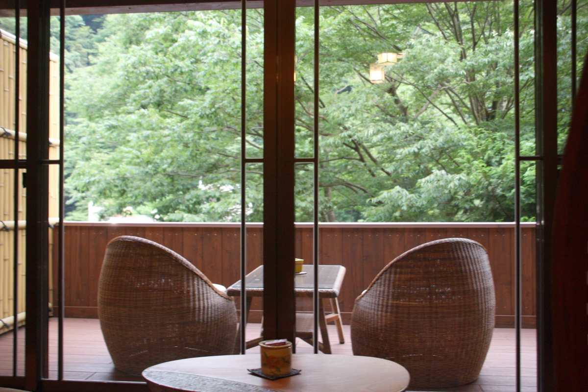 箱根塔ノ沢温泉_山の茶屋 山の朝 月見台