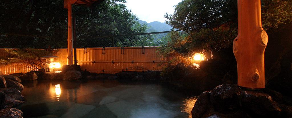 箱根塔ノ沢温泉_山の茶屋 渓谷の野天風呂