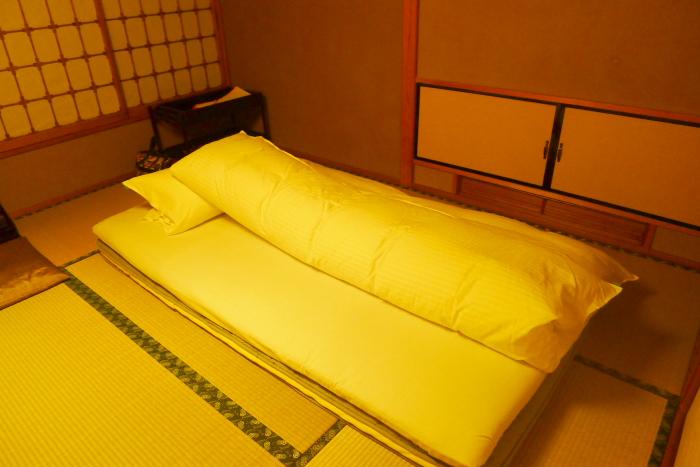 若松ゆがわら石亭 寝室