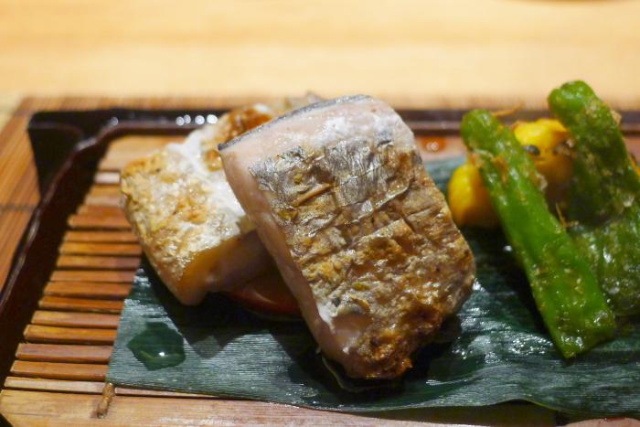 ねの湯 対山荘の夕食の太刀魚