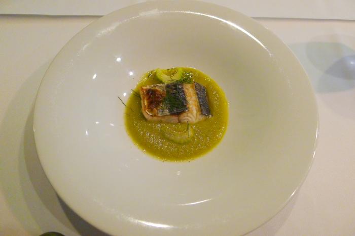 オーベルジュ湯楽の温魚皿、相模湾の鮮魚