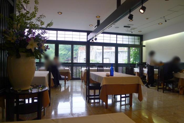 オーベルジュ湯楽の朝食会場ピノクラーレ