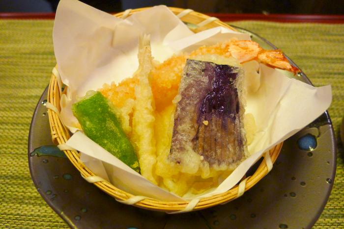 皆生温泉松月の夕食、揚げ物(えびのてんぷら)