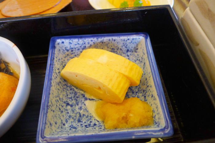 皆生温泉の松月の朝食、大山のさくらたまごを使った出し巻き玉子