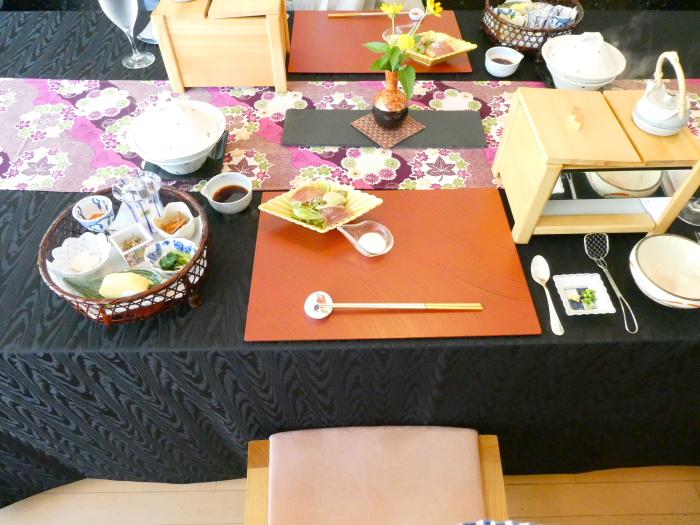 オーベルジュ鈴鐘_朝食のテーブルセッティング