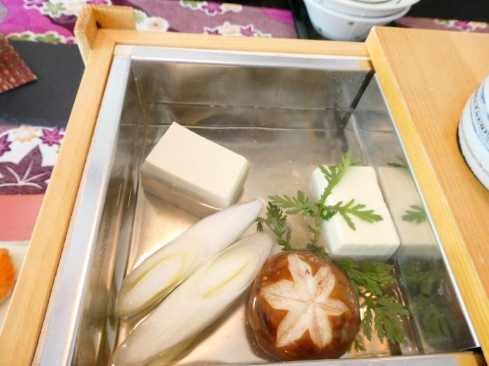 オーベルジュ鈴鐘_朝食の湯豆腐をアップで