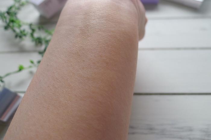 マキアレイベル薬用クリアエステベールを手に伸ばしてみたらきめが細かくなった