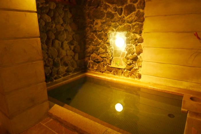 ねの湯対山荘_大浴場の湯船