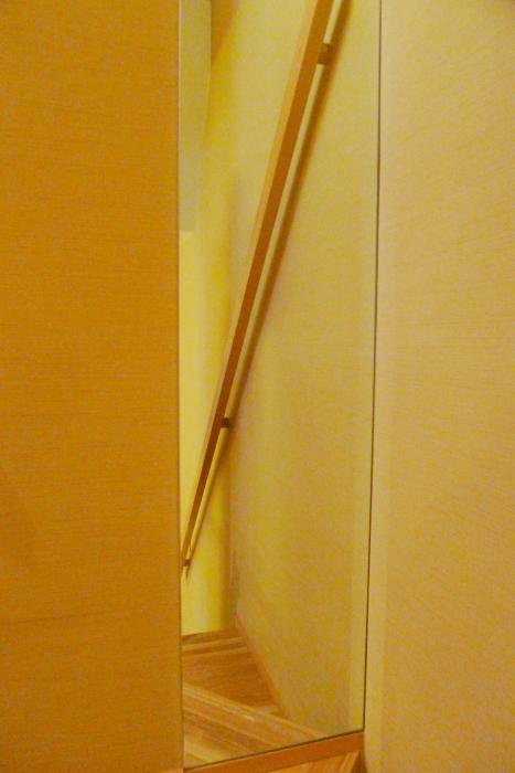 修善寺温泉_ねの湯対山荘_メゾネット式客室 階段の鏡