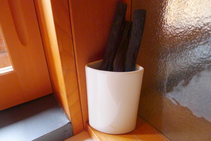 修善寺温泉_ねの湯対山荘_メゾネット式客室 洗面台の炭