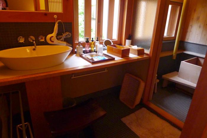 修善寺温泉_ねの湯対山荘_メゾネット式客室 洗面所
