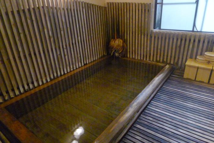 オーベルジュ湯楽の古代檜風呂 大