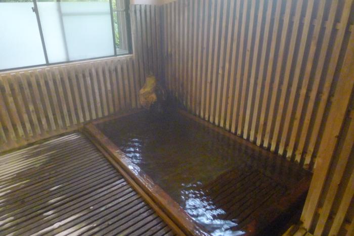 オーベルジュ湯楽の古代檜風呂 小