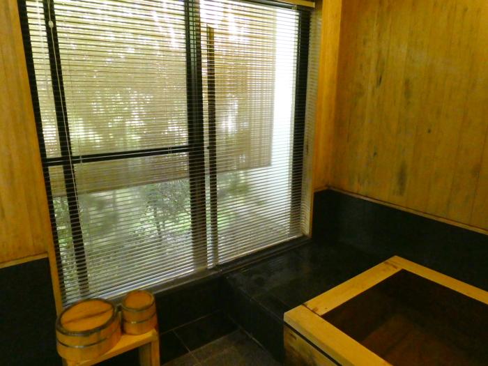 オーベルジュ鈴鐘 藍の檜造りの内風呂