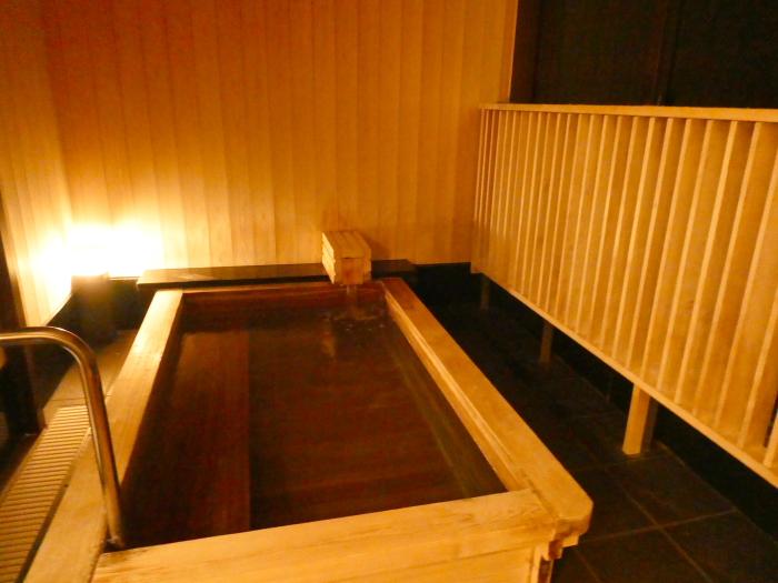 淡路島_うめ丸_うずしお温泉の貸切風呂 檜風呂