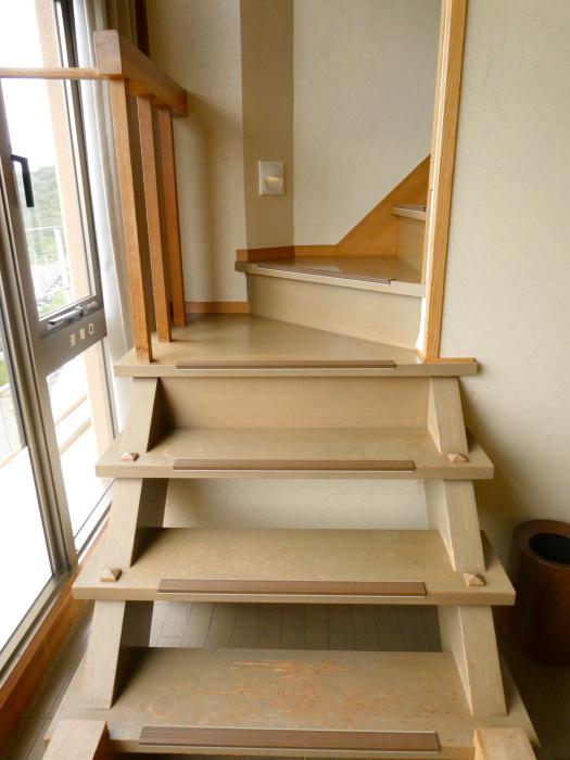 淡路島_うめ丸_露天風呂付き客室の階段