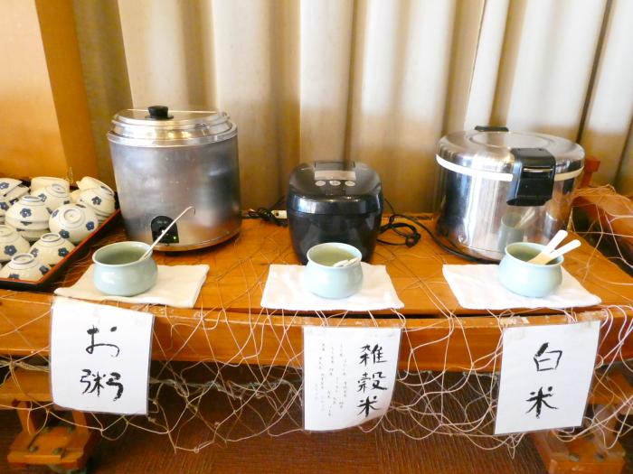 淡路島_うめ丸朝食 セルフサービスのごはん