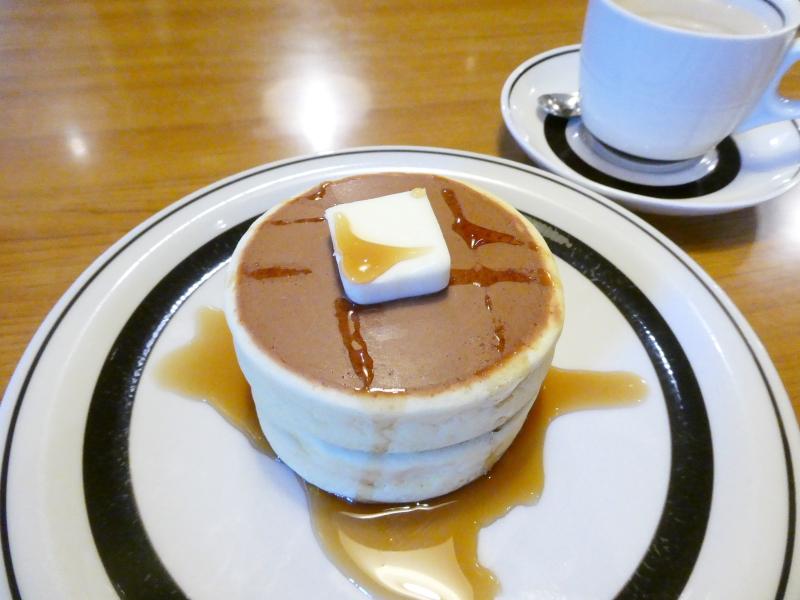 東京都板橋区にある純喫茶ピノキオの看板メニューのホットケーキ