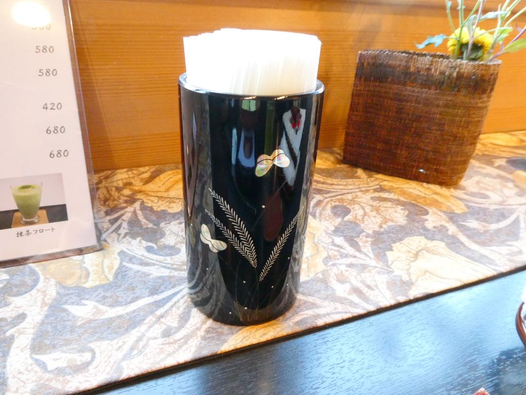 金沢 和カフェ 漆の実の店内