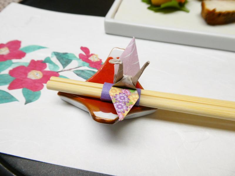 下田野の花亭こむらさきの夕食で使った鶴の形の箸置き