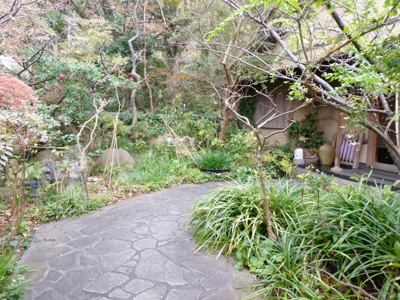 伊豆下田温泉にある野の花亭こむらさきの前庭