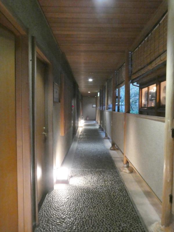 伊豆下田野の花亭こむらさきの「こぶし」の回廊