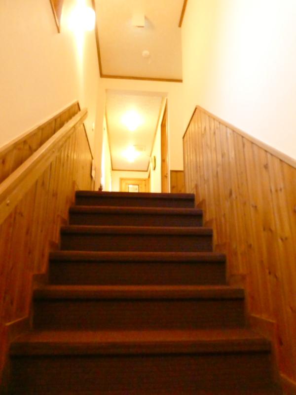 伊豆高原オーベルジュミヨーの客室に続く階段