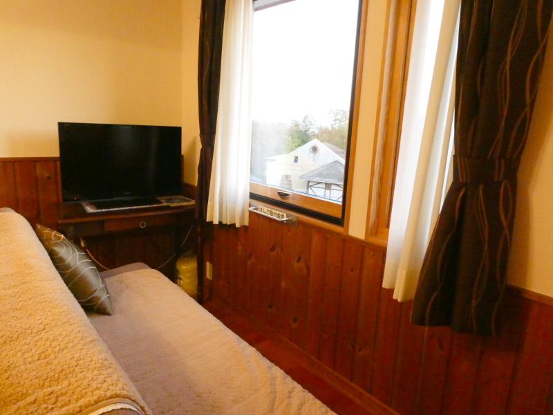 伊豆高原オーベルジュミヨーの寝室のソファー