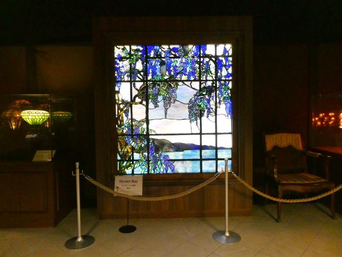 伊豆城ケ崎ニューヨークランプミュージアムの館内のステンドグラス