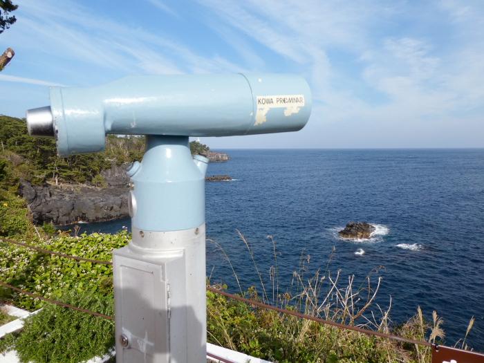 伊豆城ケ崎フラワーガーデンの展望テラスに設置された望遠鏡