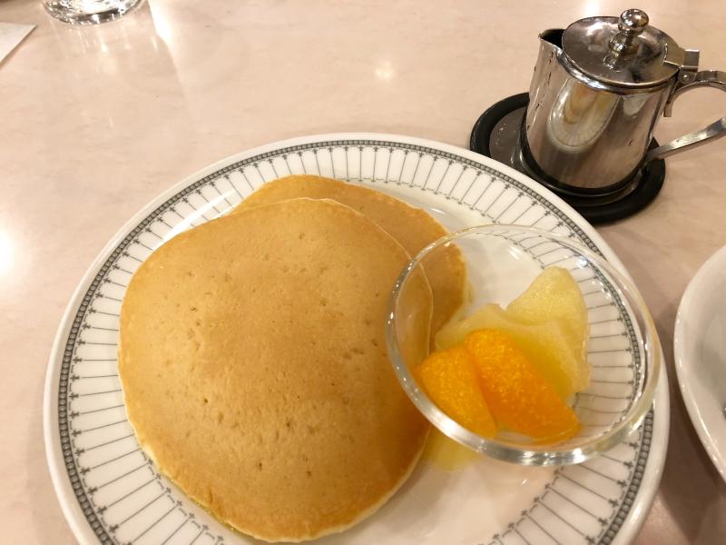 新宿区_珈琲の店ピースのホットケーキセット