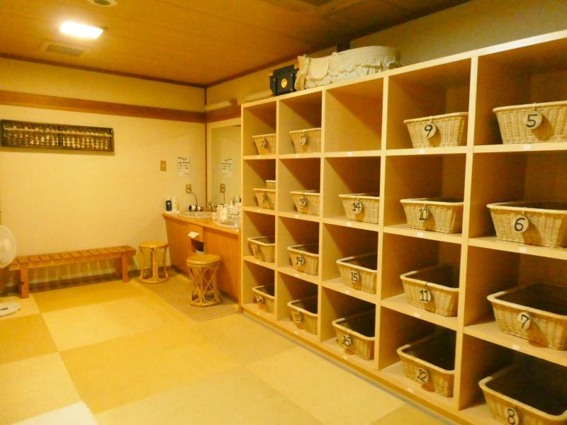 平潟港温泉あんこうの宿まるみつの大浴場和室風呂の脱衣所