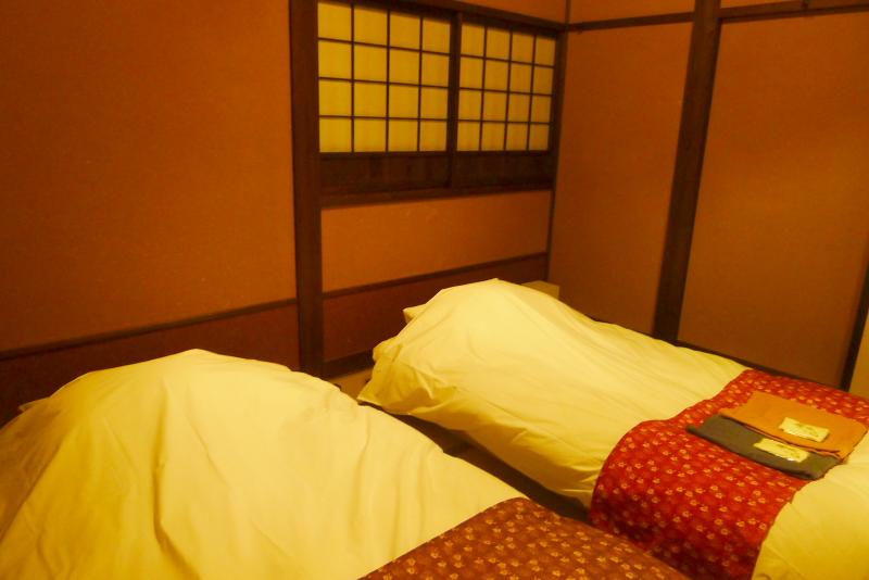 伊豆高原_きらの里の客室「竹ぶえ」のローベッド