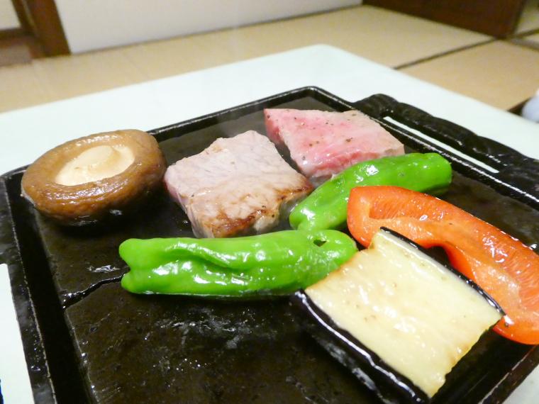 熱海_さくらや旅館_夕食 陶板焼き