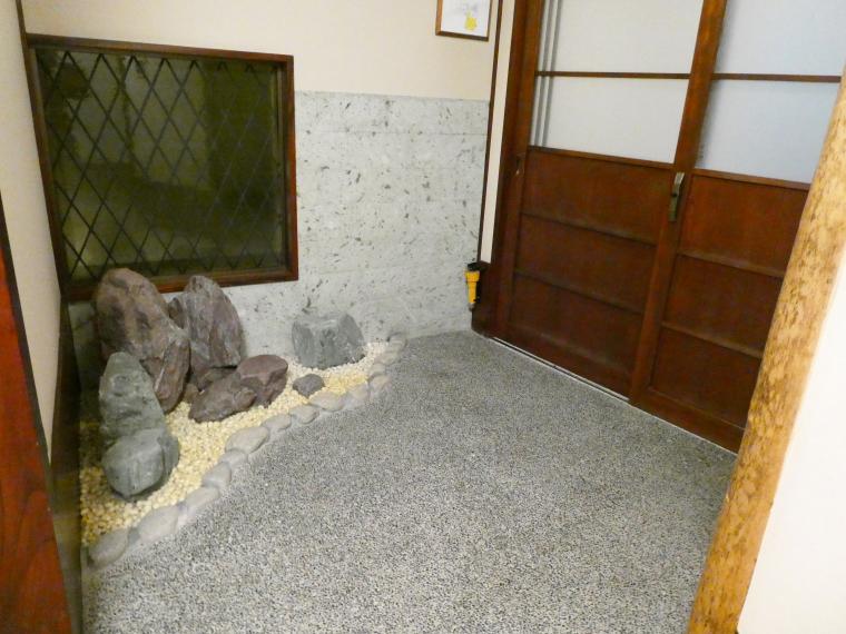熱海_さくらや旅館_部屋の玄関スペース