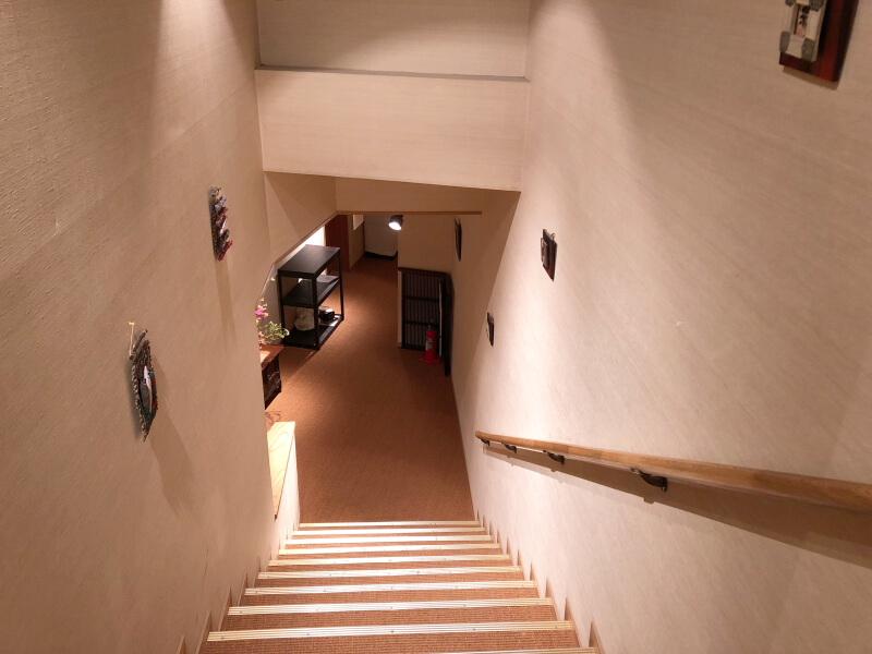 伊豆高原_茄子のはな 館内の階段
