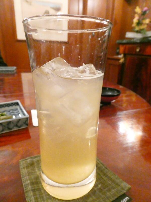 伊香保温泉にある香雲館の夕食 りんごジュース