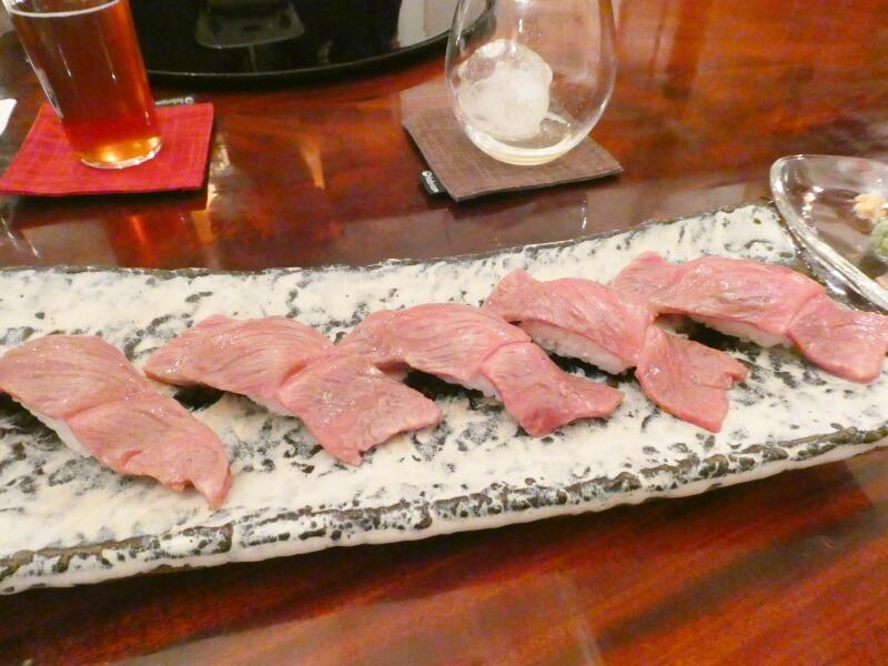 伊香保温泉にある香雲館の夕食 上州牛のにぎり
