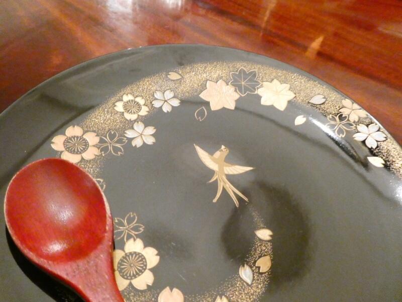 伊香保温泉にある香雲館の夕食に使われた美しい皿