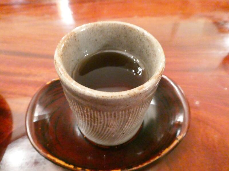 暖かいほうじ茶