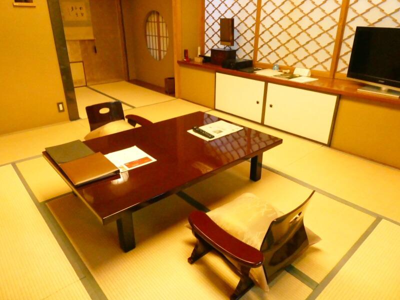 伊香保温泉香雲館の貴賓室「銀閣」の和室