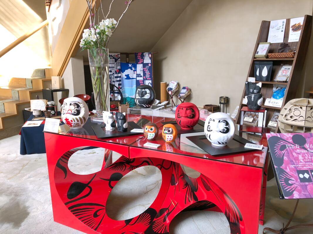 伊香保_香雲館のロビーの土産物スペース
