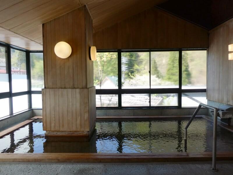 白布温泉_別邸山の季 大浴場檜の風呂「山の木」
