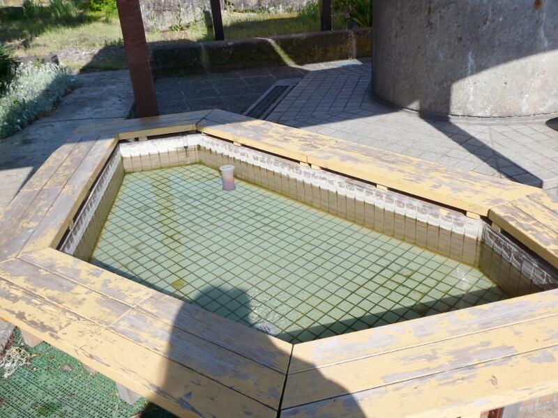 山形県南陽市にある赤湯温泉の源泉