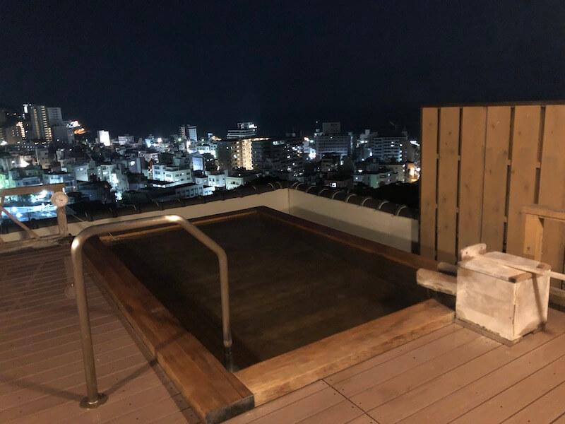新かどや 大浴場 夜の天空の湯